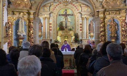 Nenhum Bispo tem o direito de proibir as Missas públicas