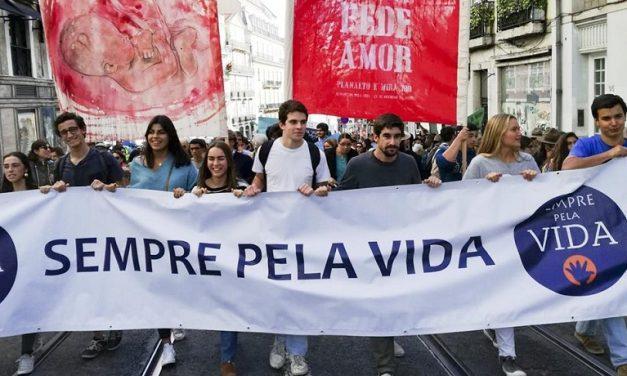 """A """"Caminhada pela Vida"""": Aborto, Eutanásia — Não!"""